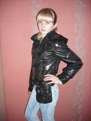 дешево продам новую модную,  стильную куртку