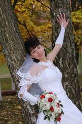 Продам красивое свадебное платье со шлейфом